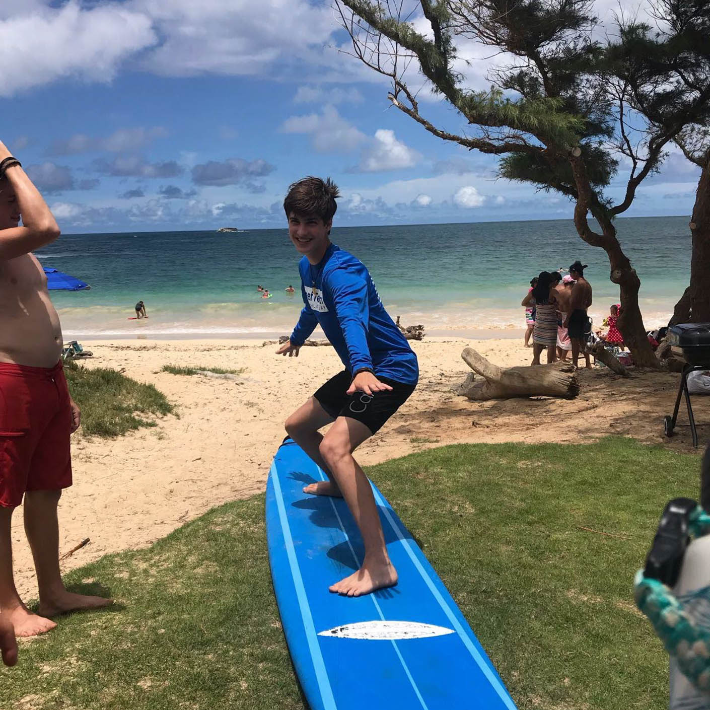 Hawaii Service surfing