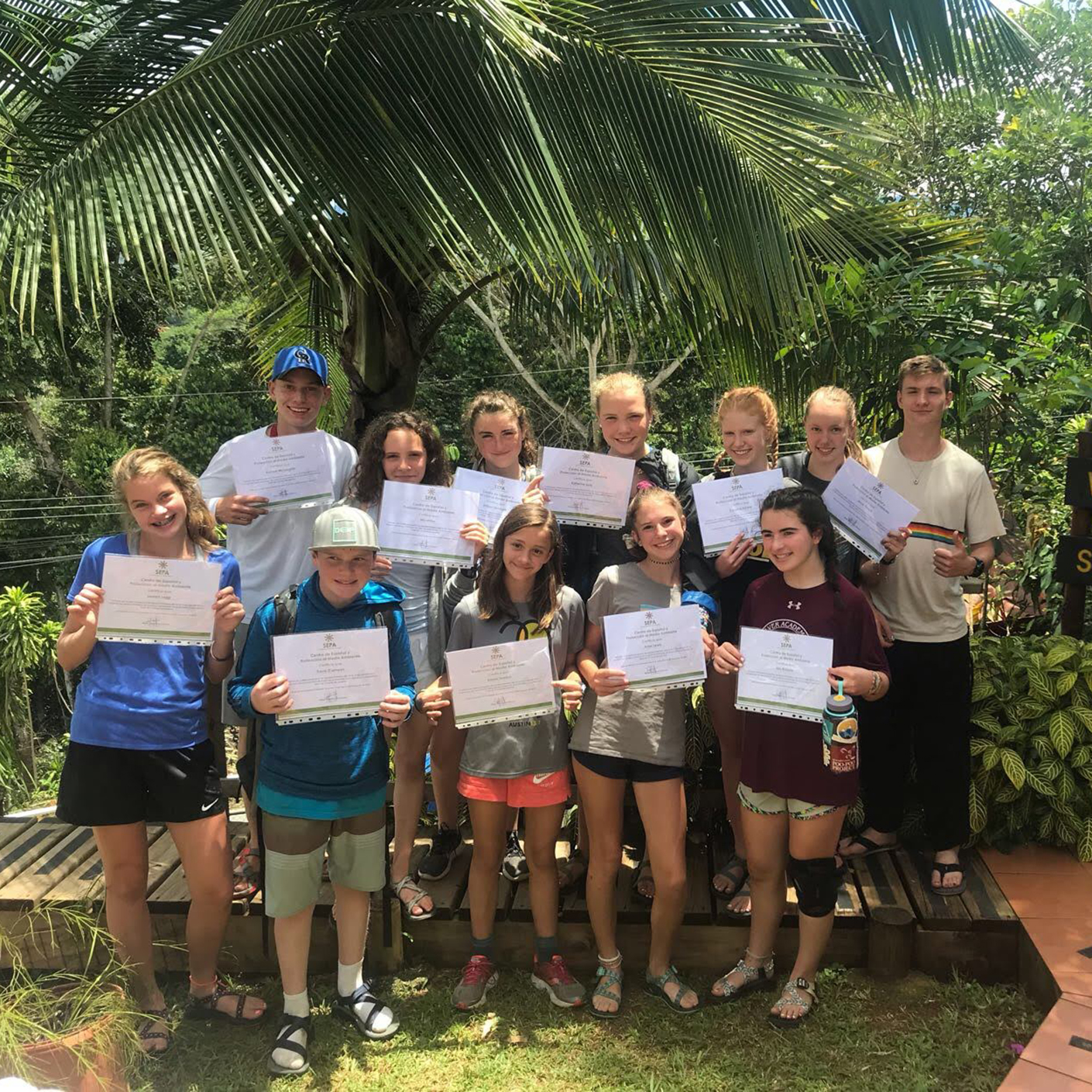 Group photo on the Costa Rica Pura Vida trip